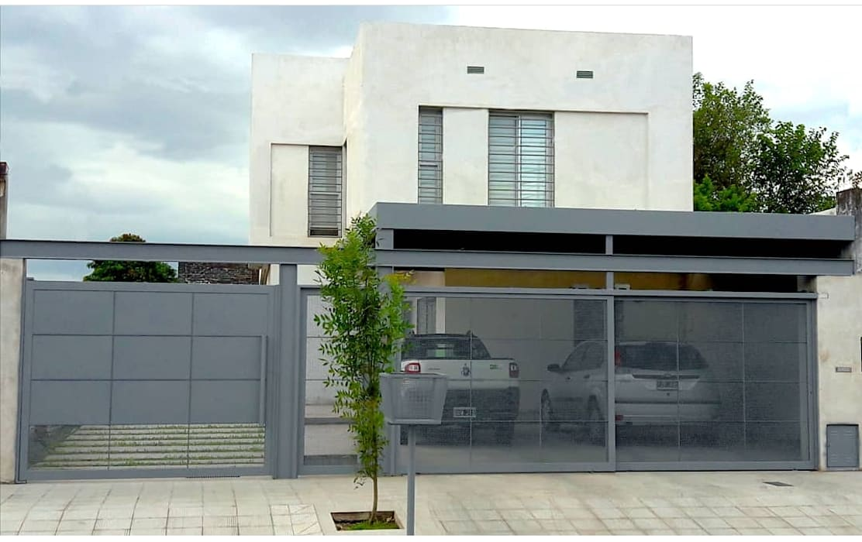 Minimalist house by D&D Arquitectura Minimalist