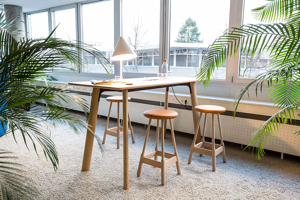 Gedung perkantoran oleh seven2*design   interior architecture, Skandinavia