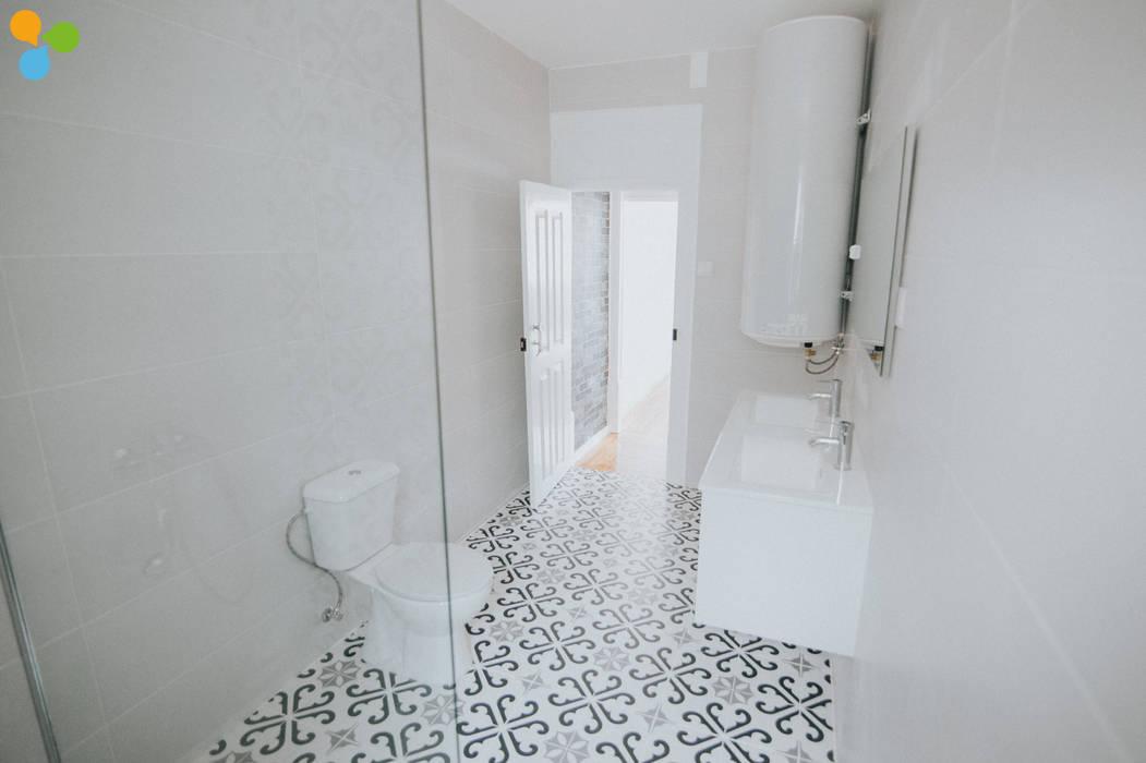 Reabilitação Residência de Estudantes : Casas de banho  por Grupo Prummo ,Moderno