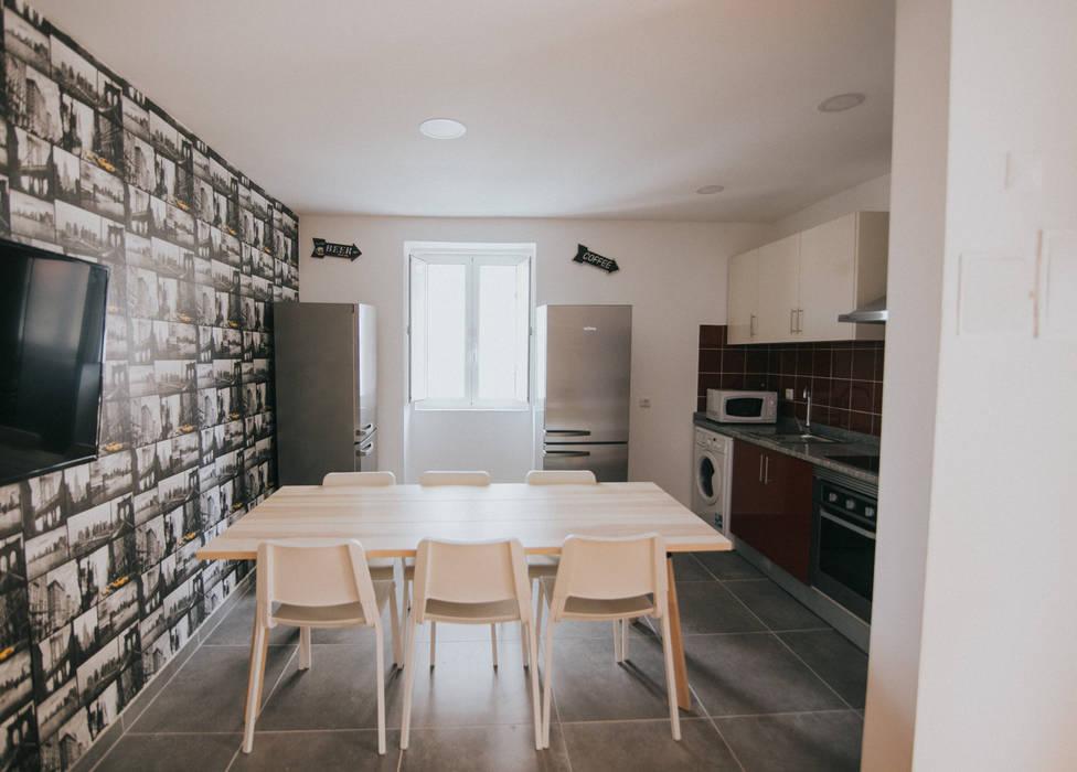 غرفة المعيشة تنفيذ Grupo Prummo  , حداثي