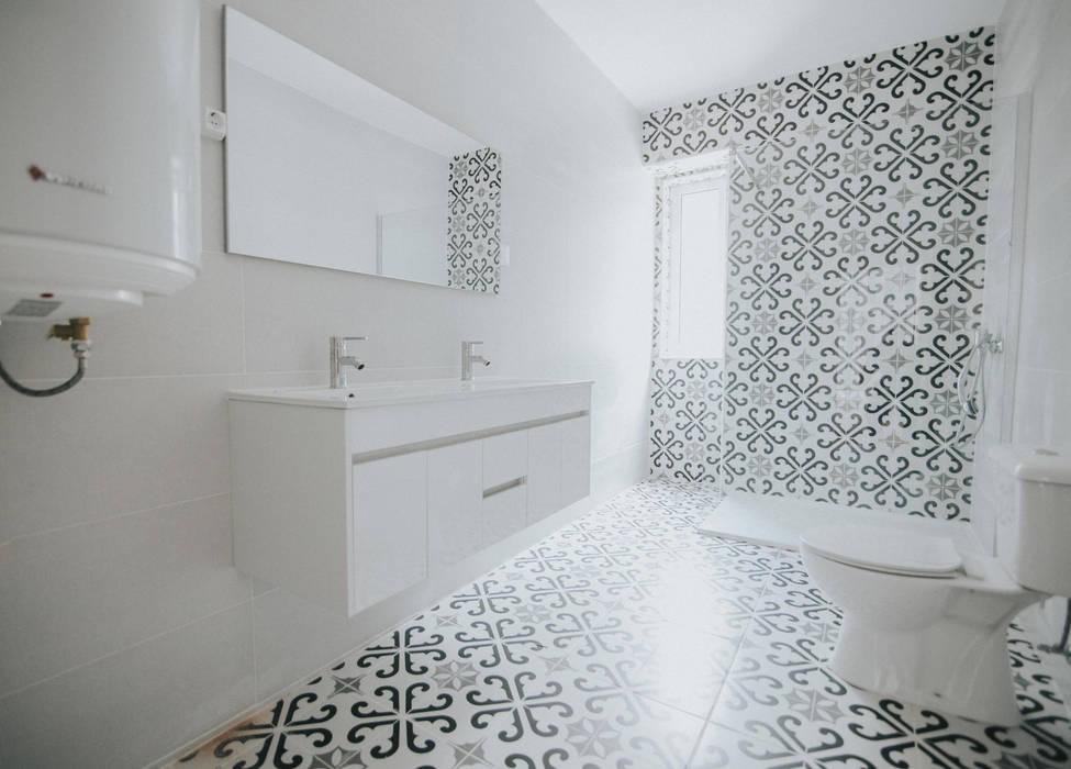 Grupo Prummo Modern style bathrooms