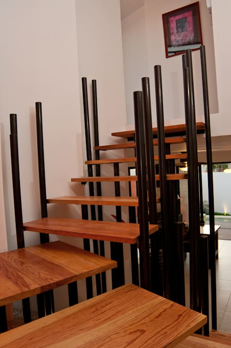 Stairs by FRACTAL.CORP ARQUITECTURA, Modern