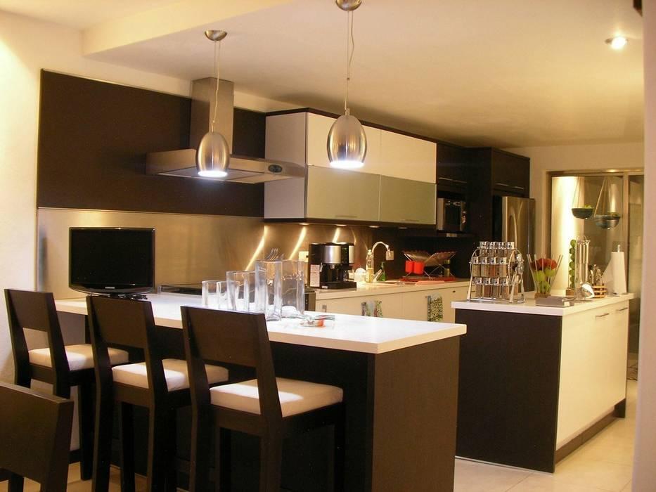 COCINA CAS COZUMEL: Cocinas equipadas de estilo  por FRACTAL.CORP ARQUITECTURA, Moderno