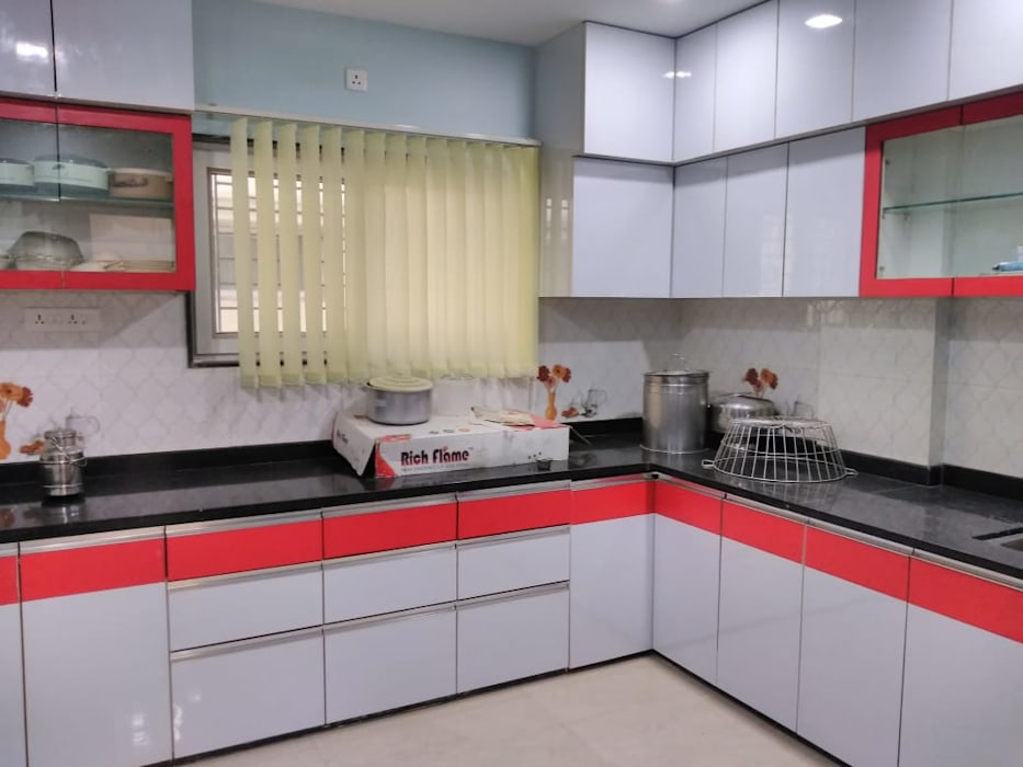 Kitchen Homagica Services Private Limited KitchenCabinets & shelves