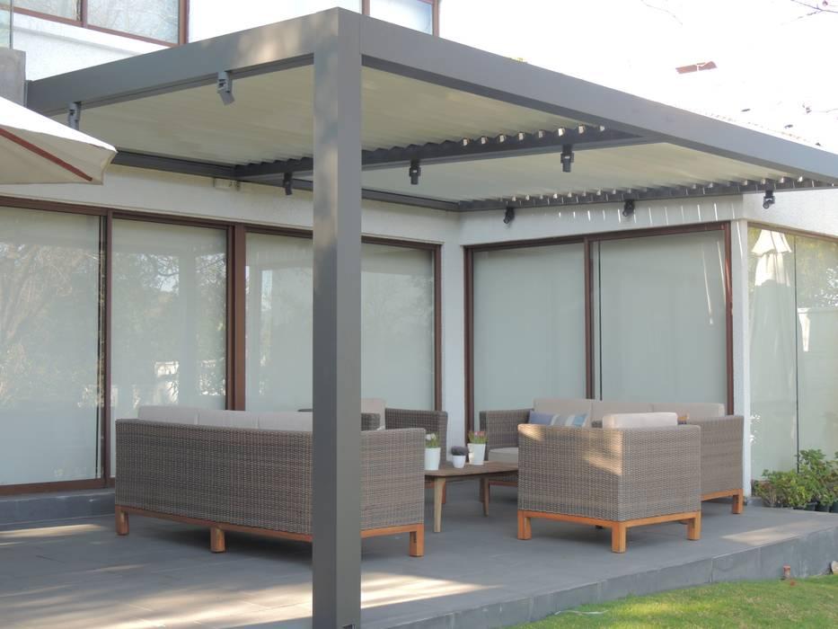 Terraza Bioclimatica: Terrazas  de estilo  por Comercial Dominguez, Moderno Aluminio/Cinc