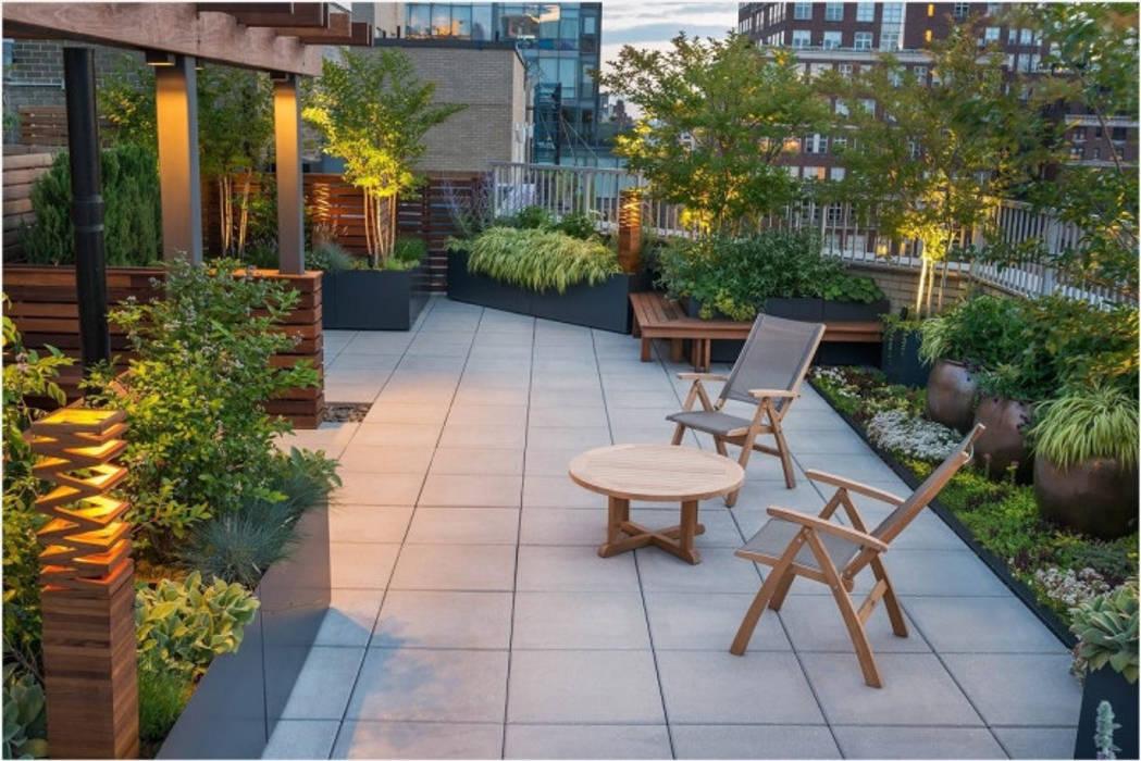Lối vào nhà xanh mướt:  Zen garden by Nguyen Hung Architects, Modern Concrete