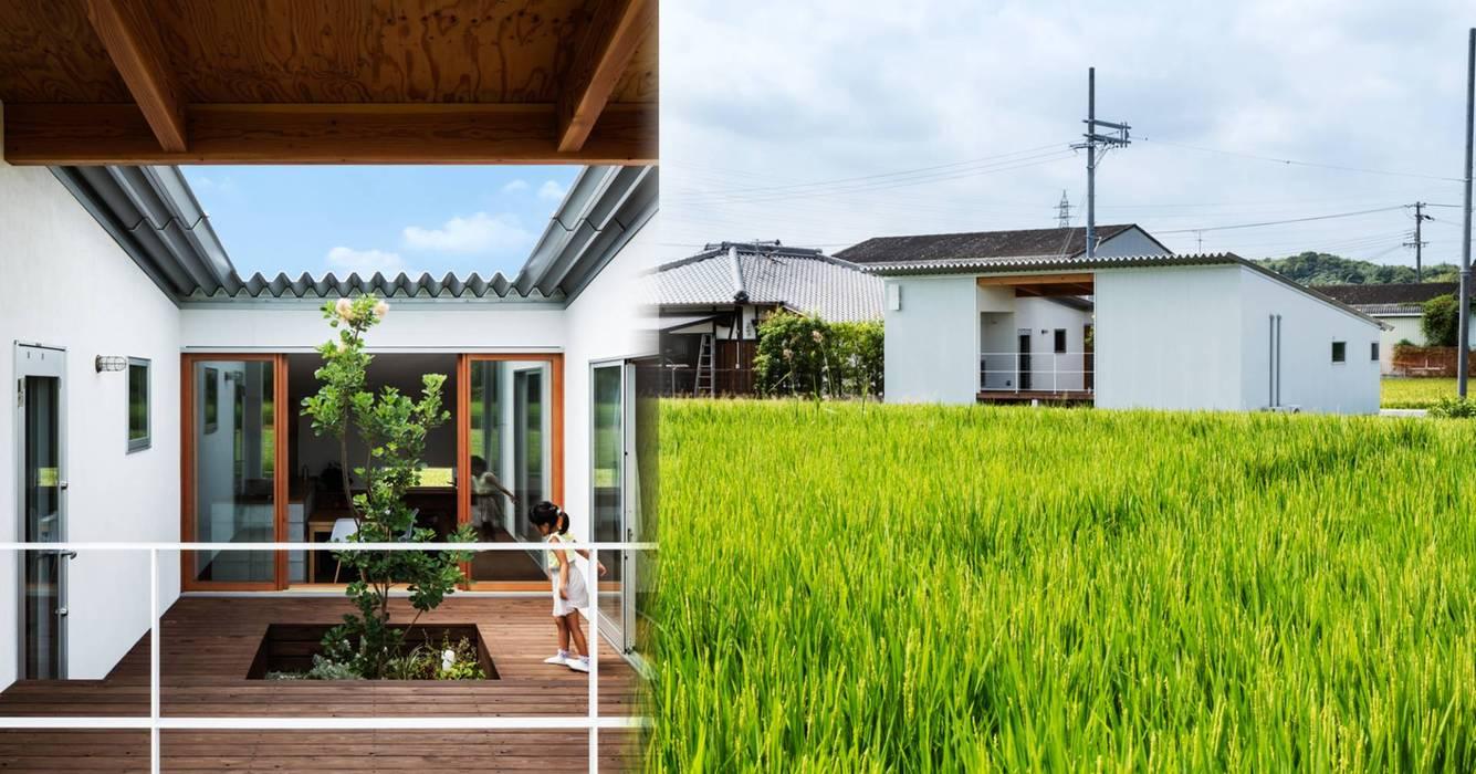 Vẻ ngoài đơn sơ nhưng không kém phần thú vị:  Prefabricated home by Alex Architectural & Design, Minimalist Aluminium/Zinc