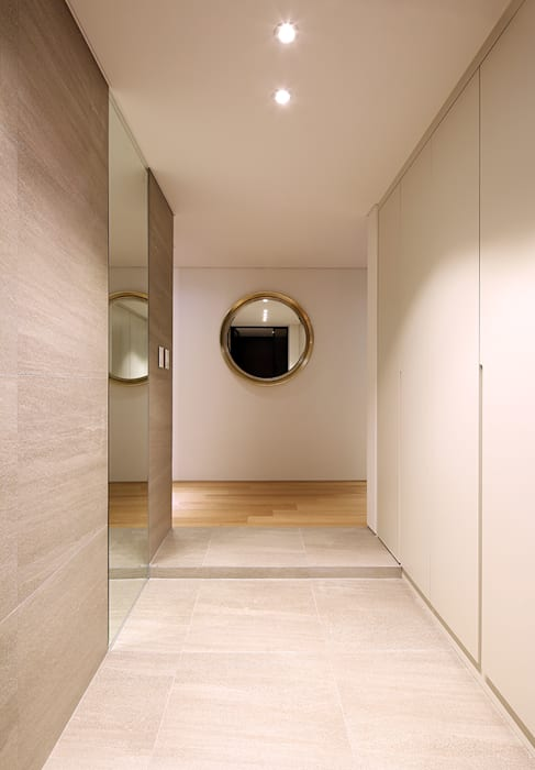 Paredes y pisos de estilo moderno de studio FOAM Architects Moderno