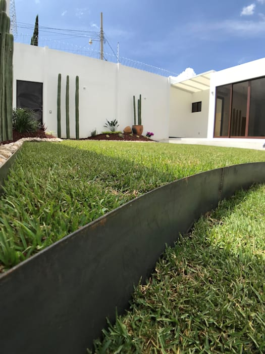 by Ideas Arquitectónicas Modern Granite