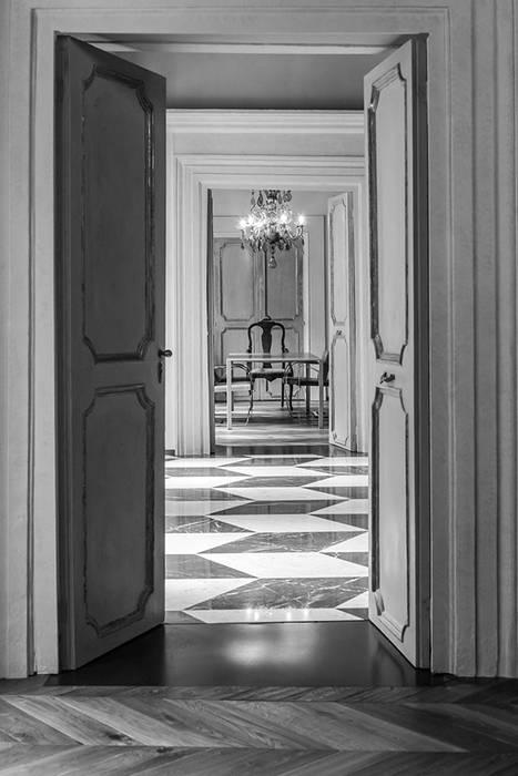 Ristrutturazione abitazione privata al centro di Roma di Studio Crachi Moderno