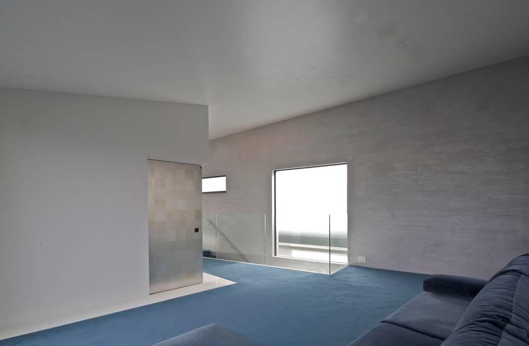 Modern Dining Room by JWA,Jun Watanabe & Associates Modern Marble