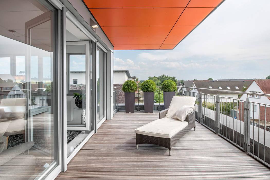 Dachterrasse mit Weitblick Moderner Balkon, Veranda & Terrasse von Hilger Architekten Modern Holz-Kunststoff-Verbund