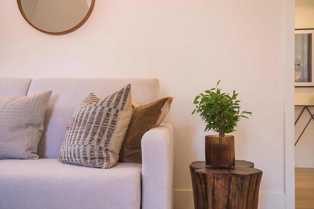 Living Room توسط Inêz Fino Interiors, LDA مینیمالیستیک