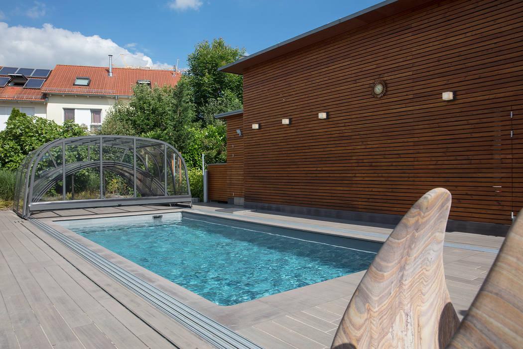 Einstückbecken Como mit Überdachung Rubin Klassische Pools von Schwimmbad-Henne GmbH Klassisch