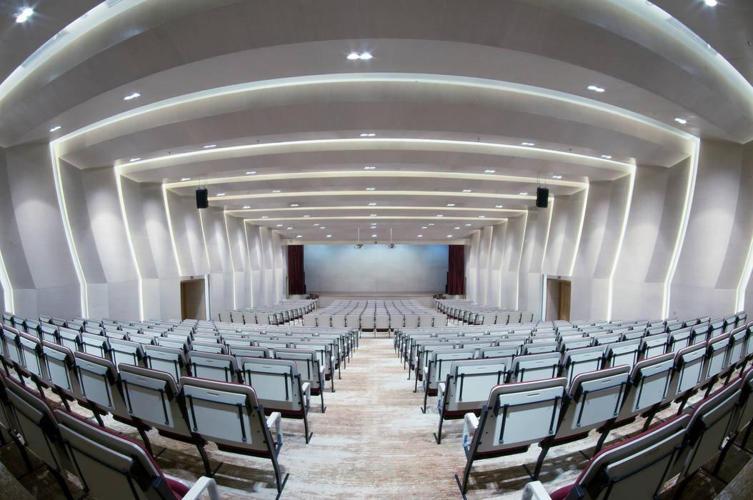INSADA DESIGN TEAM Modern style media rooms