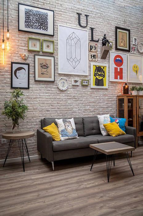 zona de asientos Bares y clubs de estilo ecléctico de La Mano Derecha estudio Ecléctico