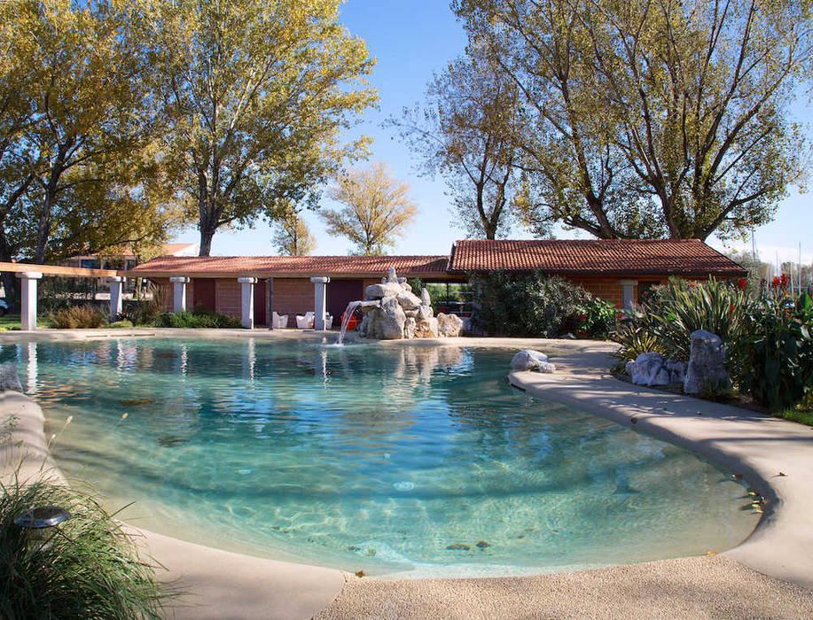 Piscina interrata naturale Balsamini Gardens & Pools Design Piscine a laghetto
