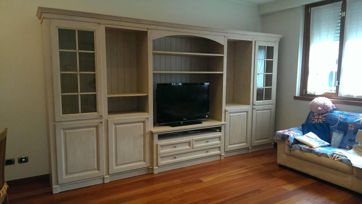Parete soggiorno legno massello con vano tv soggiorno in ...