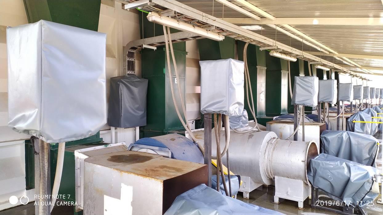Fundas maquinaria industrial: Espacios comerciales de estilo  por CarpasLircay.cl, Industrial Plástico