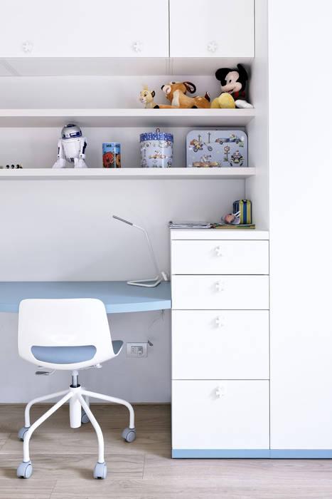 Dormitorios modernos de GruppoTre Architetti Moderno