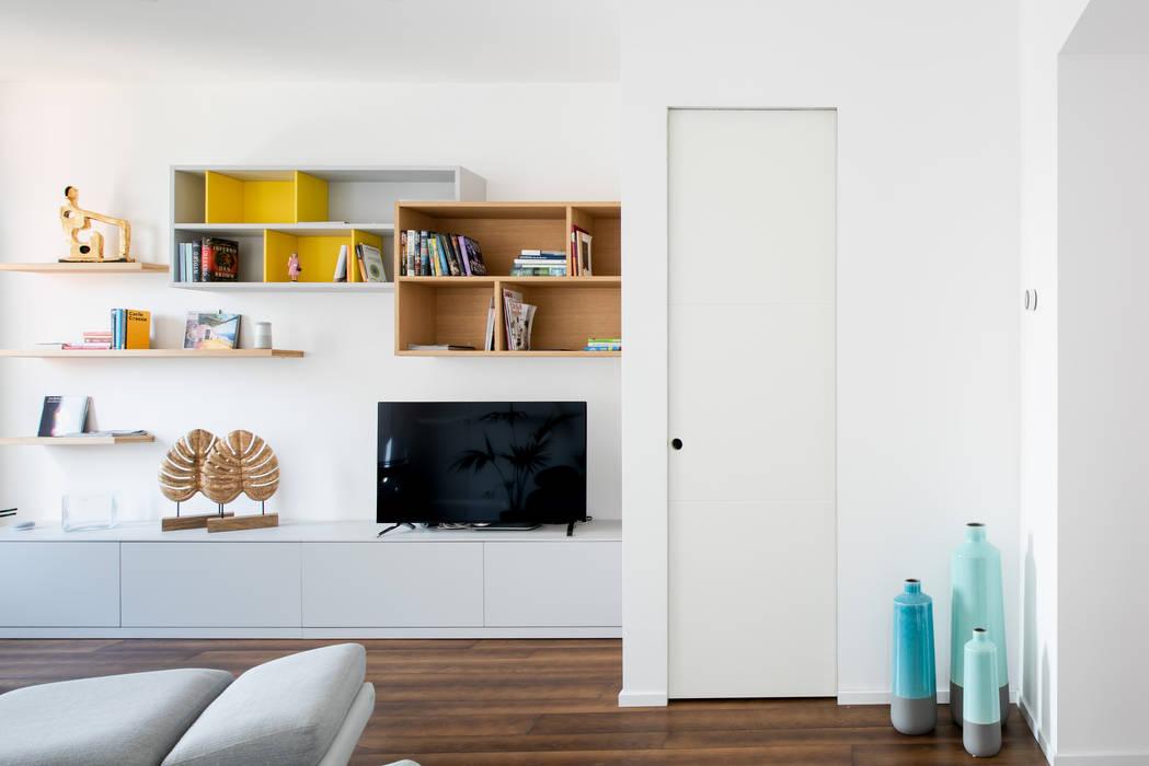 CASA A Soggiorno minimalista di GruppoTre Architetti Minimalista