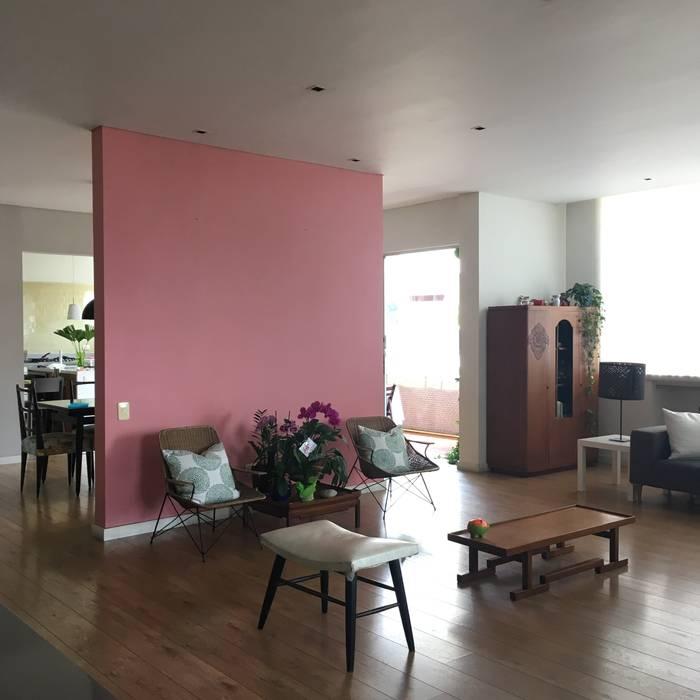 Sala entrearquitectosestudio Salas modernas Madera Rosa