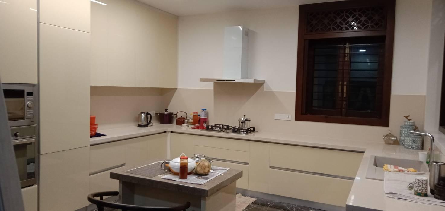 Modern Kitchen design by Hoop Pine by Hoop Pine Interior Concepts Modern Glass