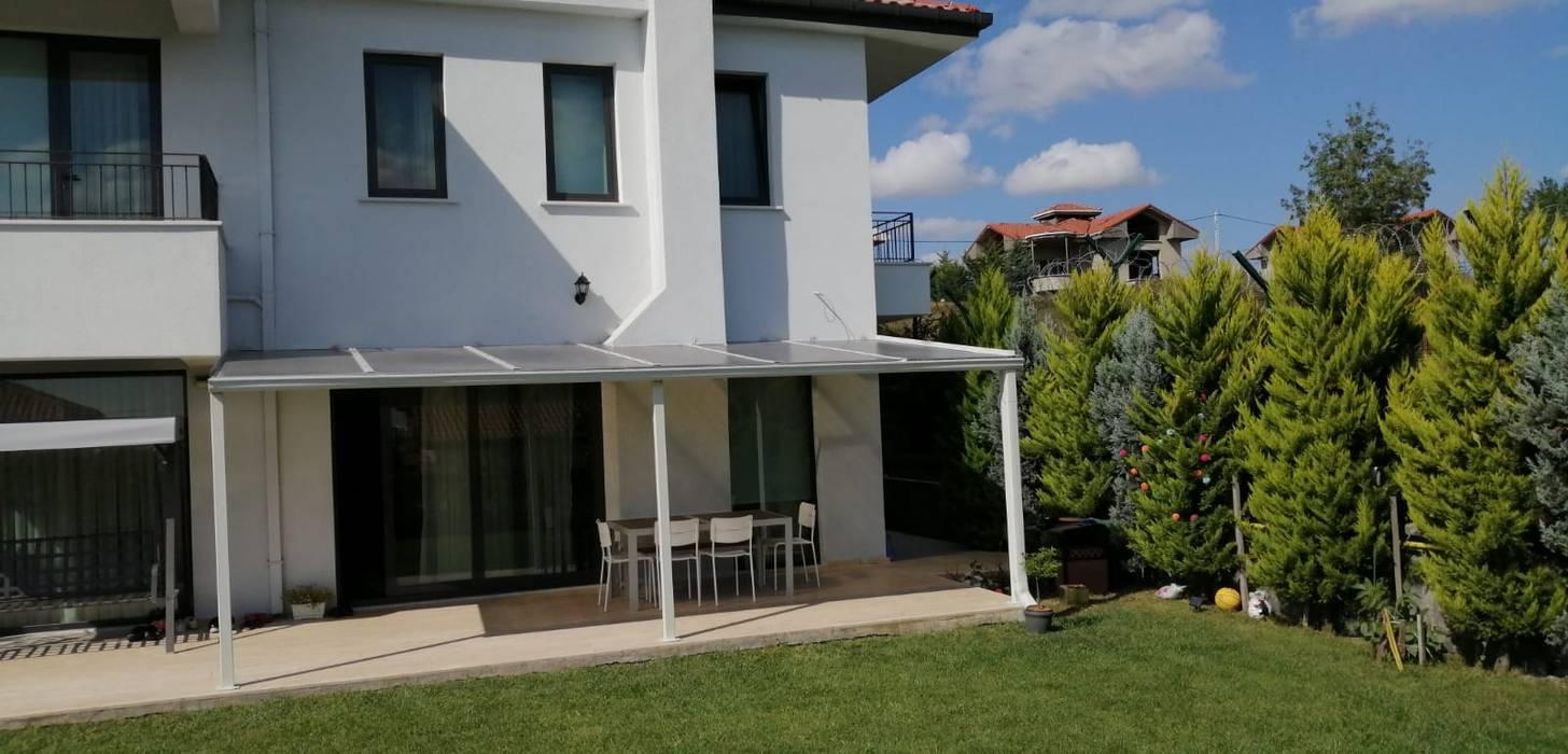 Balcon, Veranda & Terrasse modernes par Yapısan Cephe Sist.San.ve Tic.Ltd.Şti. Moderne Fer / Acier