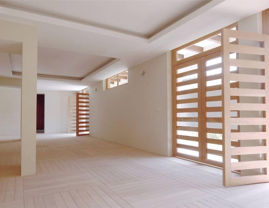 by AGE/Alejandro Gaona Estudio Minimalist Wood Wood effect