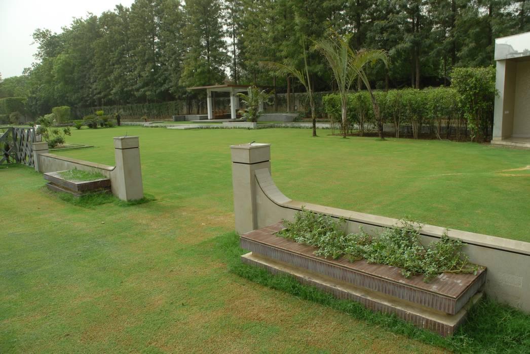 Farm House Lawn Designs Modern garden by Tanish Dzignz Modern