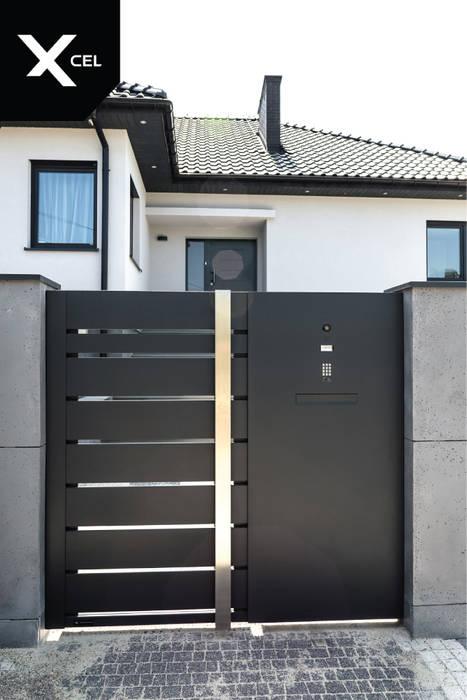 Aluminiowa furtka w kolorze czarnym od XCEL Fence Nowoczesny