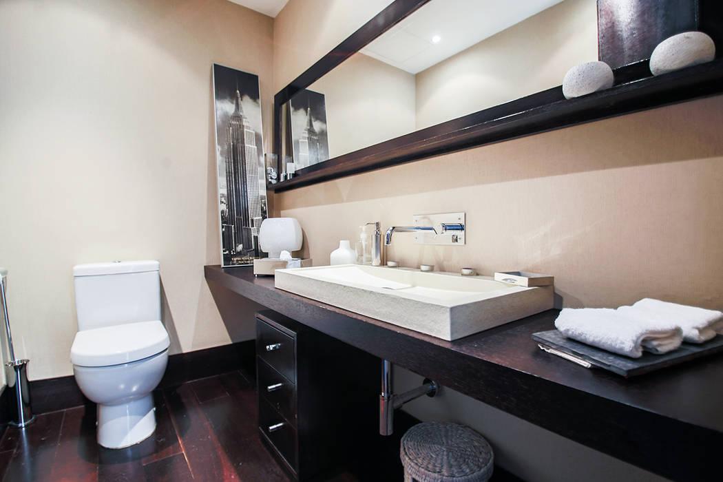 Bernadó Luxury Houses 現代浴室設計點子、靈感&圖片