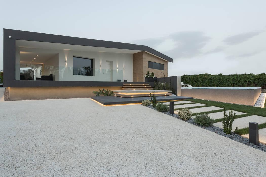 La facciata Case moderne di DFG Architetti Associati Moderno
