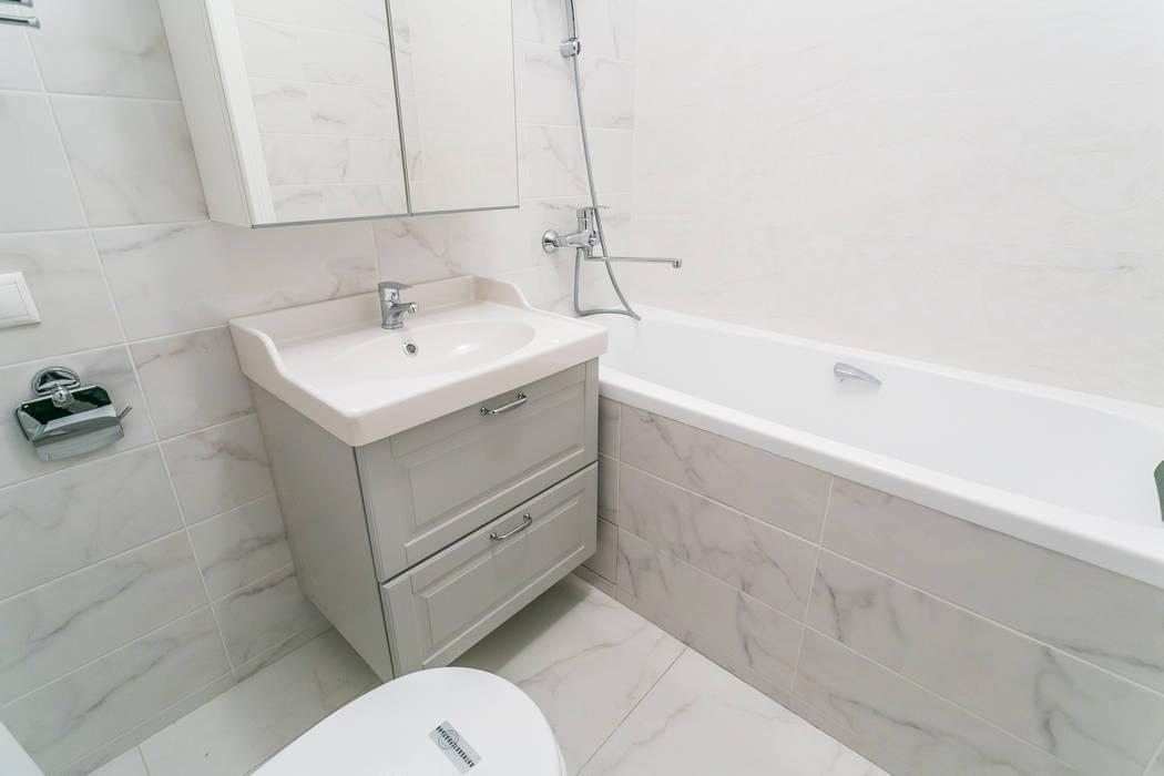 Ремонт ванной комнаты 3,5 кв. метра Бюро интерьеров ICON Ванная в классическом стиле Белый