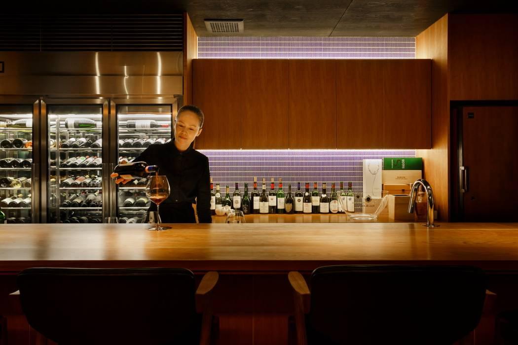 Bar & Klub  oleh FOMES design, Eklektik