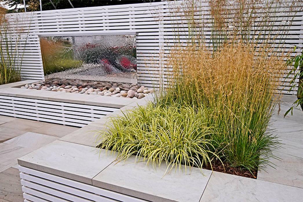Mirrored water feature by Jonathan Mark Garden Design Modern Wood Wood effect