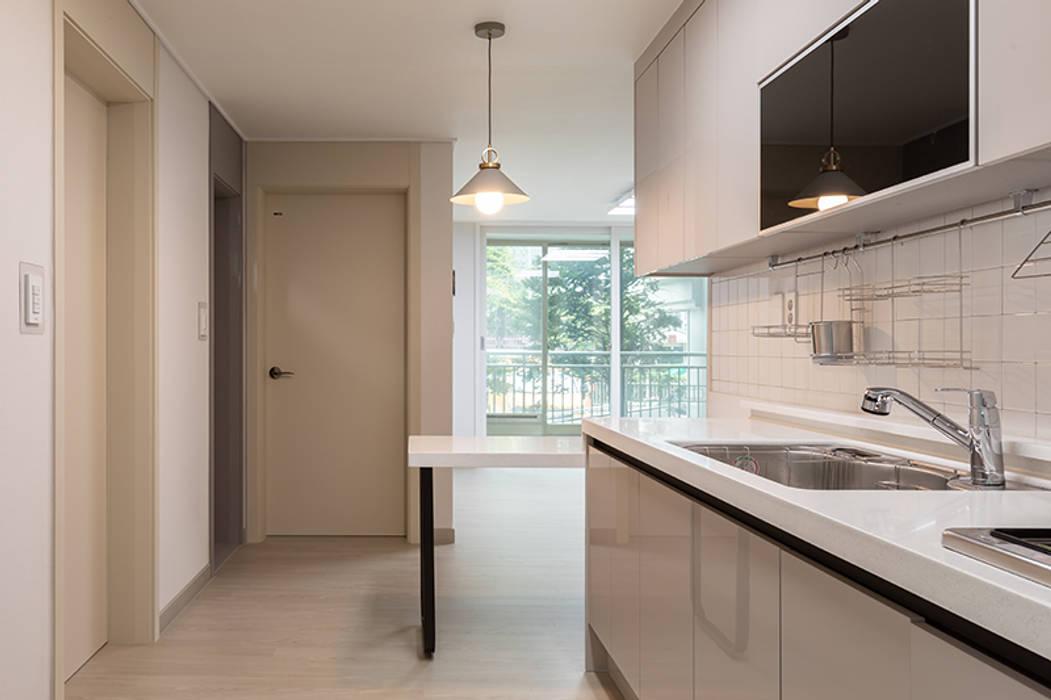 주방: 곤디자인 (GON Design)의  주방,모던