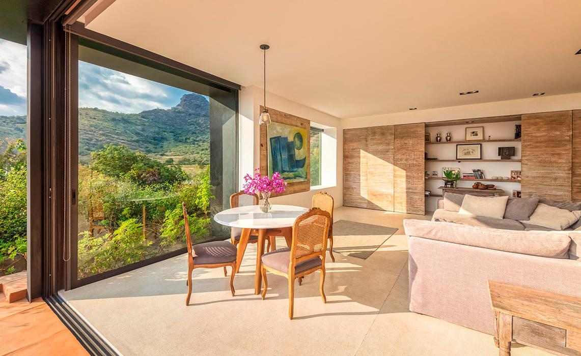 Modern Living Room by Lopez Duplan Arquitectos Modern