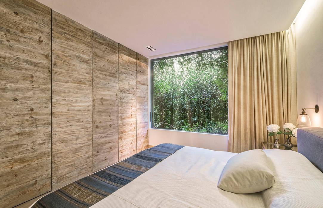 Modern Bedroom by Lopez Duplan Arquitectos Modern