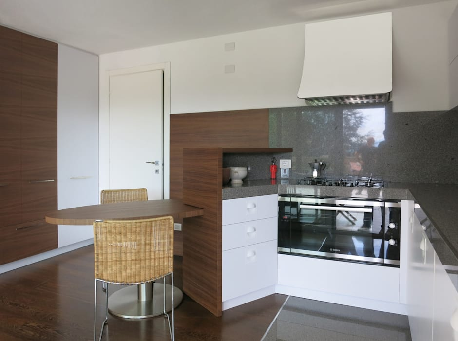modern  by MOLTENI / BARON ASSOCIATI, Modern Wood Wood effect