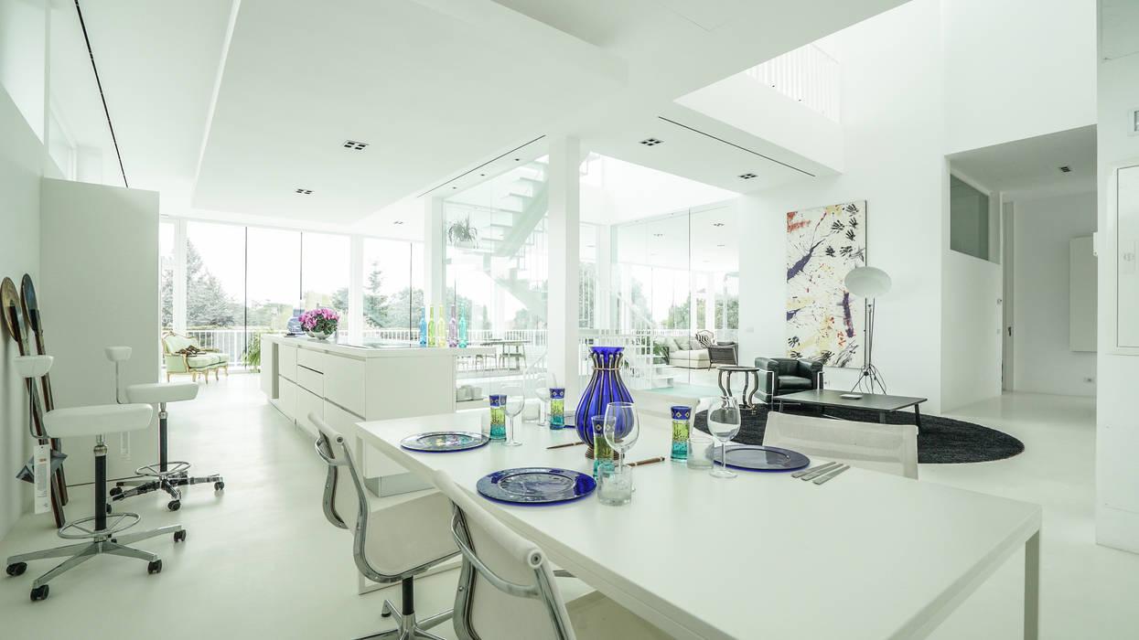 Salle à manger moderne par IBERMAISON Marbella Moderne