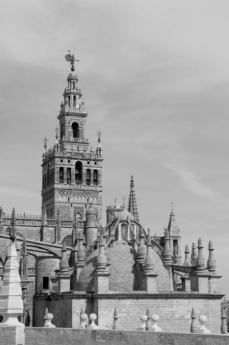 Patrimonio Catedral de Sevilla / Archivo de Indias Casas de estilo clásico de Amiel&Jules PhotoLive Clásico