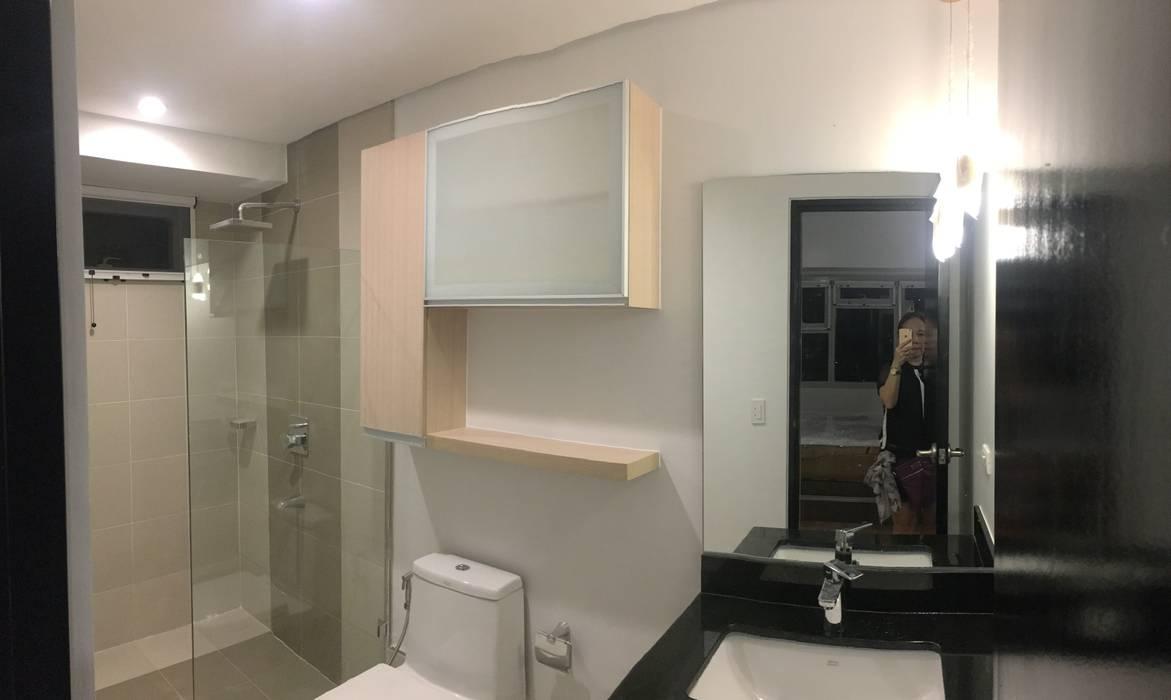 2 Bedroom Condominium Project:  Bathroom by MKC DESIGN, Modern
