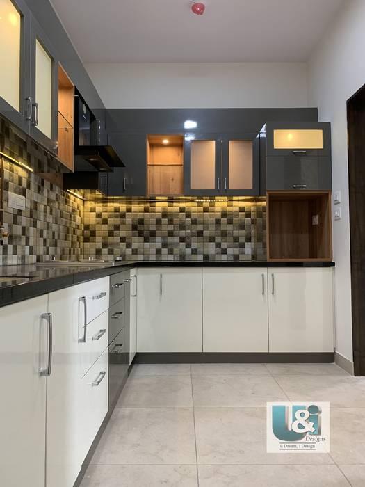 L shape Kitchen Modern kitchen by U and I Designs Modern