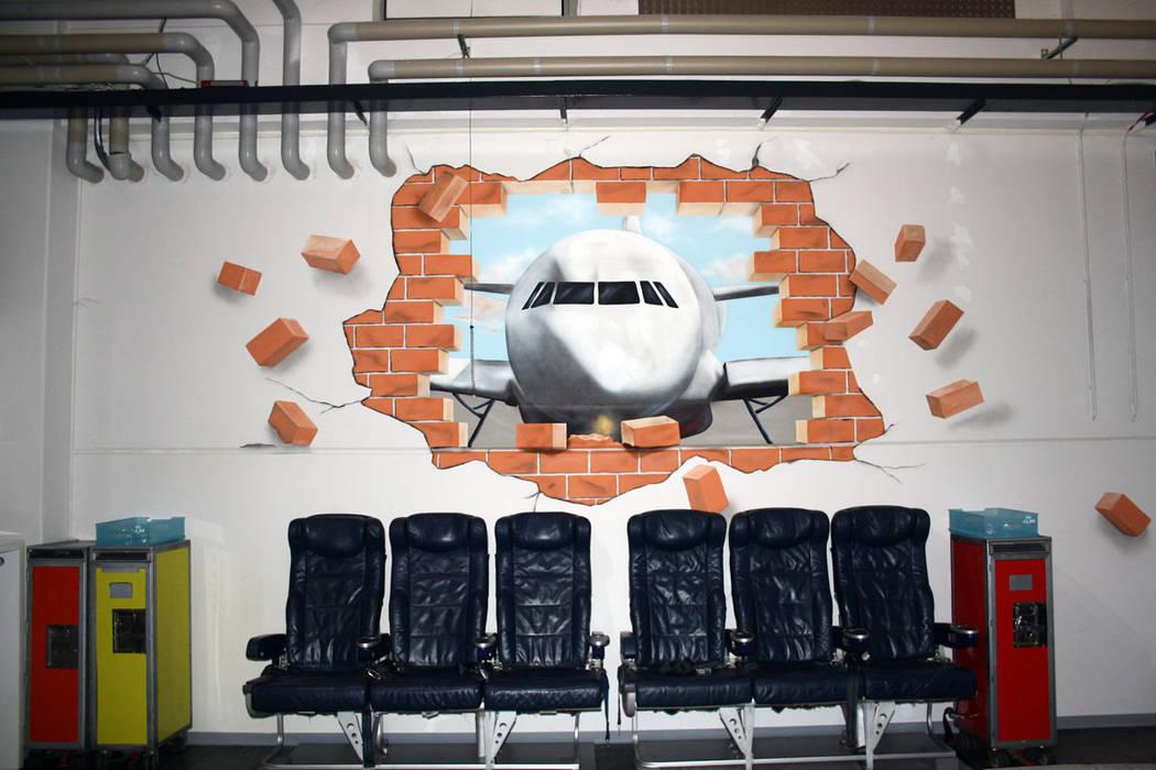 Wandbild im Flugsimulationszentrum Klassische Veranstaltungsorte von Studio Witti - Atelier für Gestaltung Klassisch