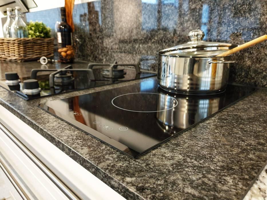 Granit Arbeitsplatten von Fischer Marmor GmbH Modern Granit