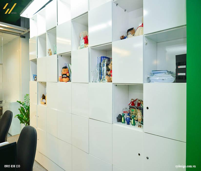 Tủ làm việc Tường & sàn phong cách hiện đại bởi SY DESIGN Hiện đại
