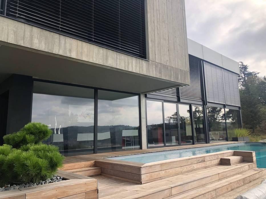 Kolam Renang Modern Oleh CUBIK architecture Modern