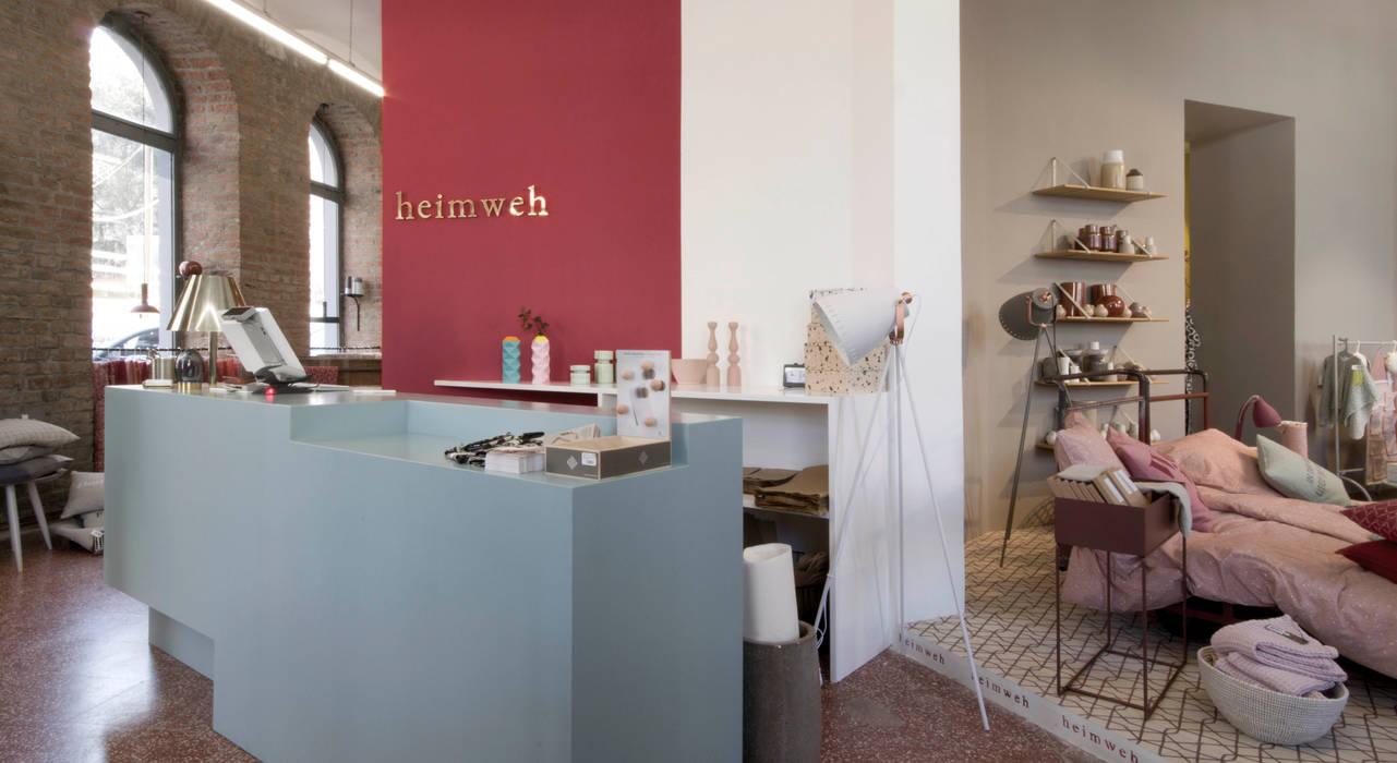heimweh+ Ladeneinrichtung / storedesign Skandinavische Wände & Böden von heimweh plus Skandinavisch Holz Holznachbildung