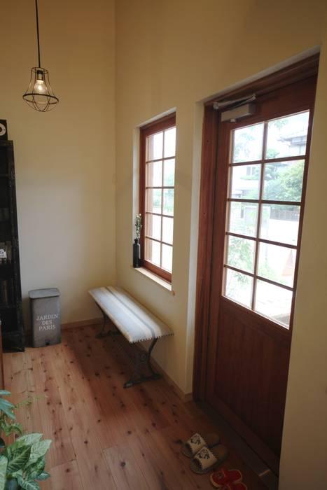 美容室 待合スペース 北欧スタイルの 寝室 の 株式会社高野設計工房 北欧